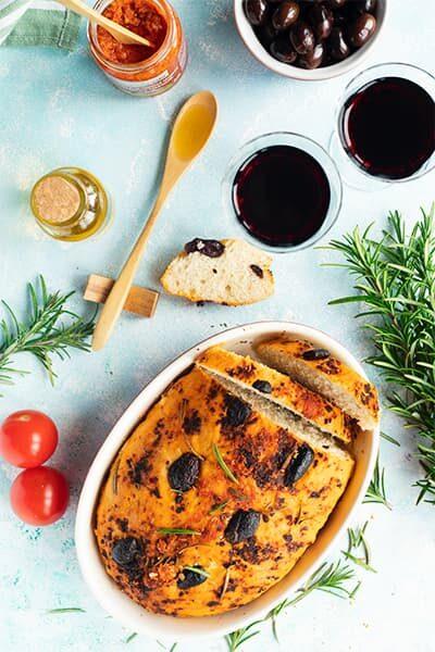 Focaccia tomate olive