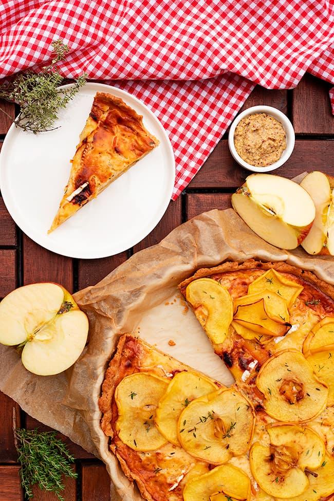 Tarte à la pomme et au camembert