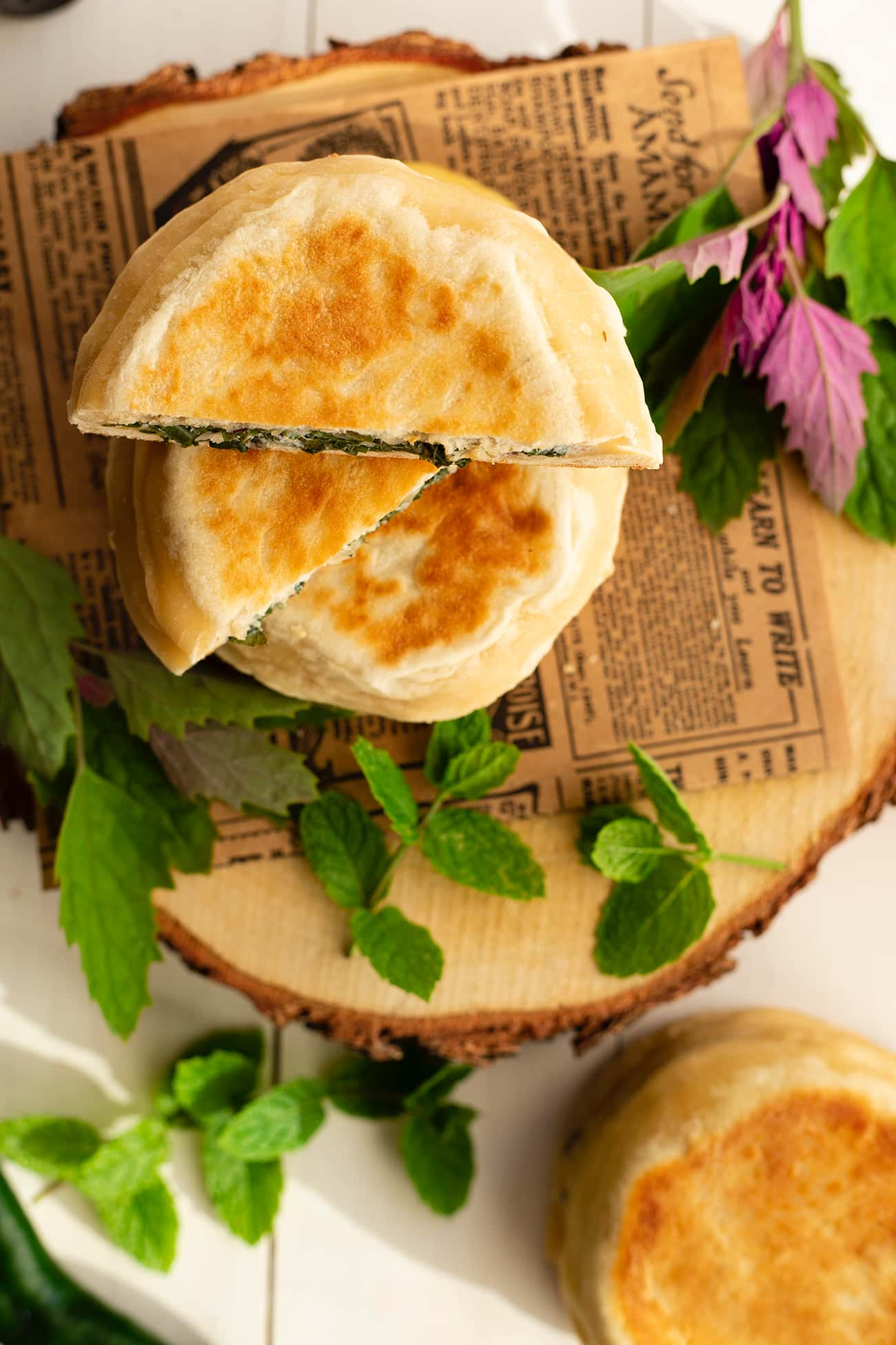 Cheese naan ricotta épinards